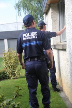 Police surveillant Maison